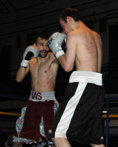 Tasif Khan in action against Richard Voros - Photo Gianluca (Rio) Di Caro