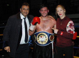 George Hillyard with promoter Shyam Batra (L) and WBU Ambassador, current MBC International Super Bantamweight Champion Marianne Marston - Photo Gianluca (Rio) Di Caro